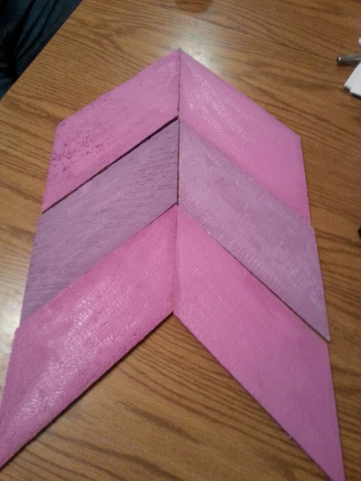 pink painted pallet arrow signs
