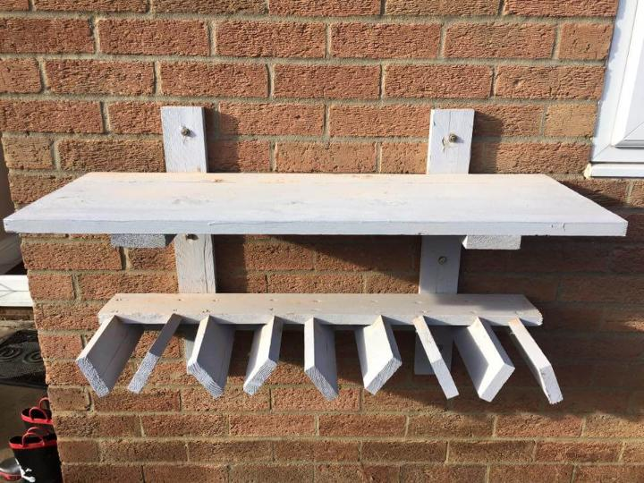 pallet shelf and beverage bottle rack diy