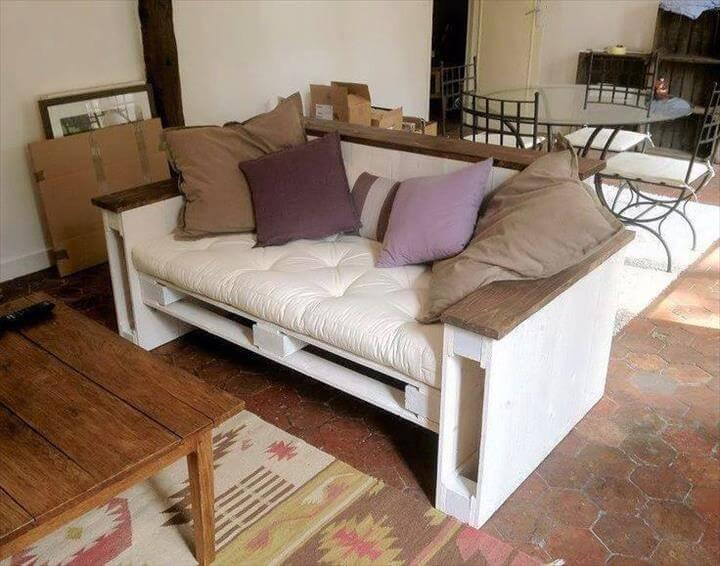 low-cost pallet cushioned sofa