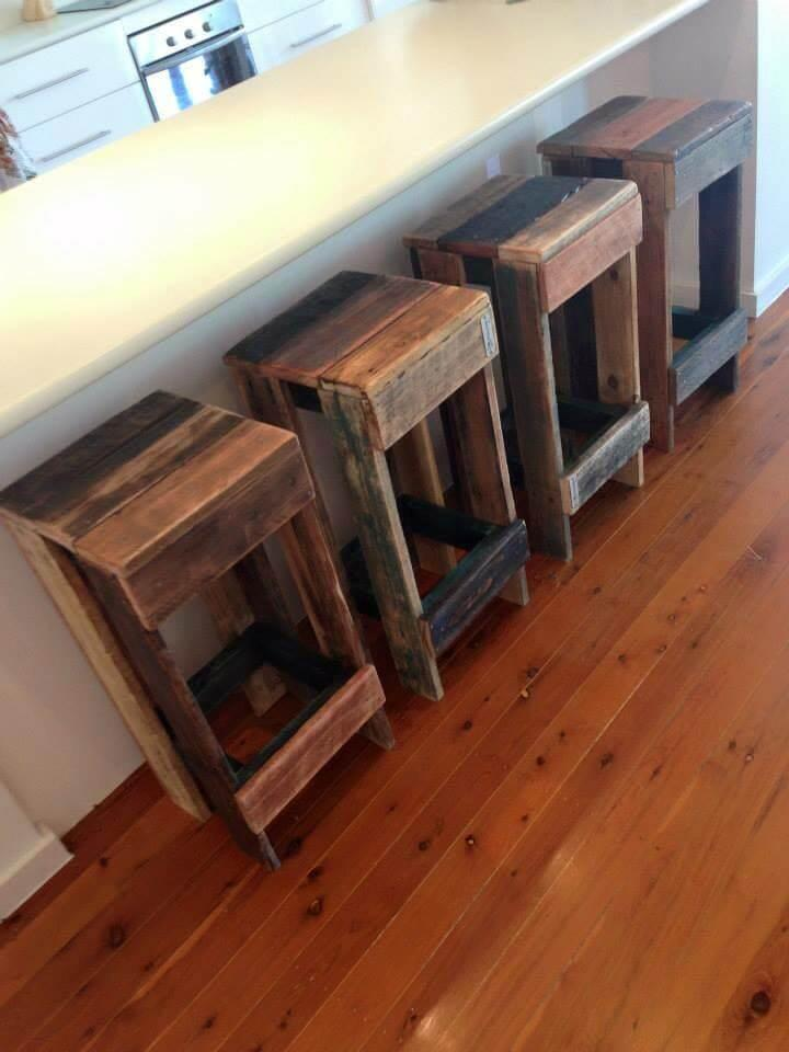 stools made of pallets