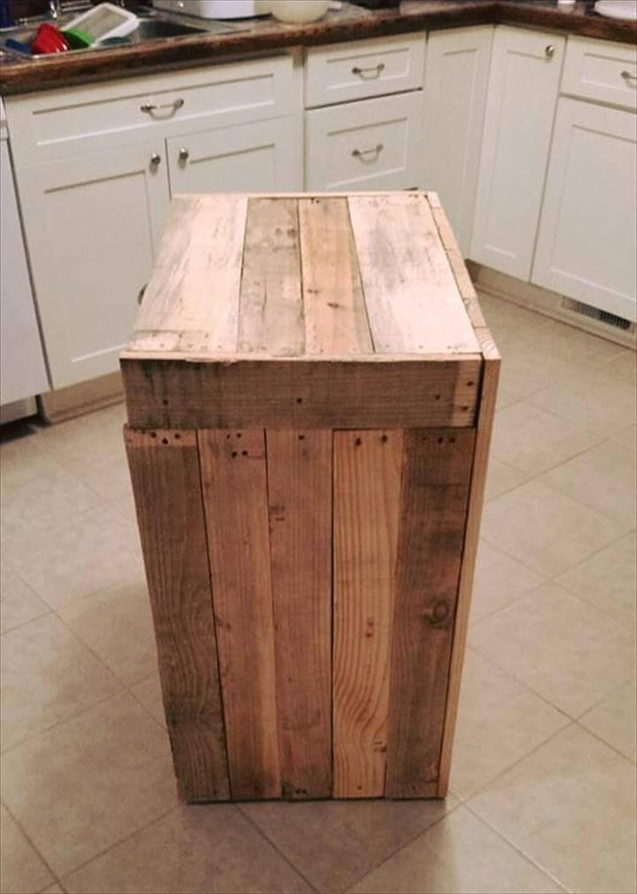 pallet kitchen trash bin