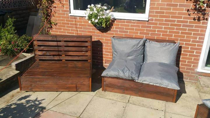 low-cost pallet outdoor seats