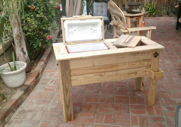 low-cost wooden pallet ice chest