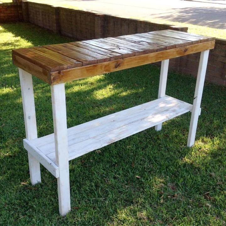 upcycled wooden pallet console
