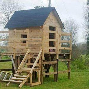 Pallet Playhouse Design