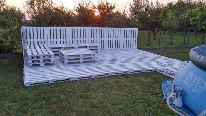no-cost pallet garden or terrace party lounge