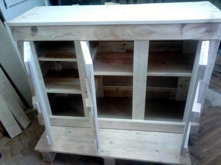 Reclaimed pallet cabinet unit