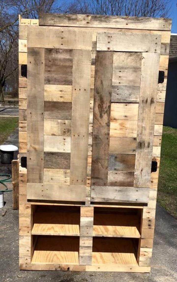 upcycled wooden pallet closet