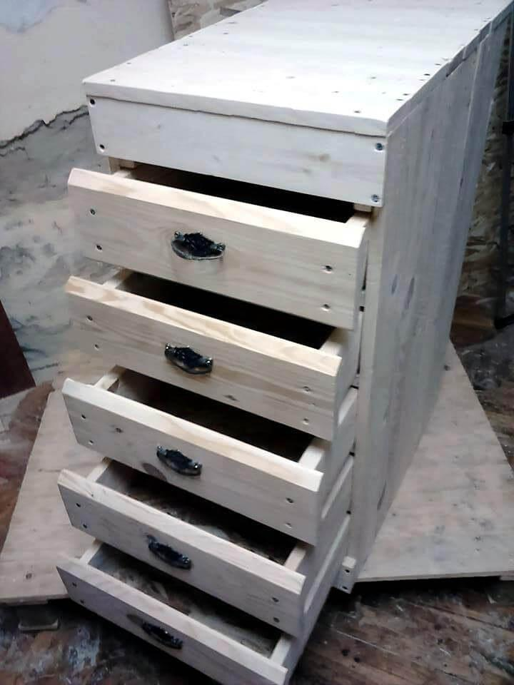 Wooden pallet drawer tower unit