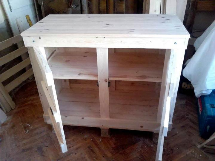 Recycled pallet cabinet unit
