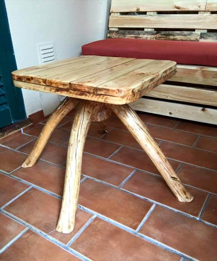 Reclaimed pallet sofa and coffee table