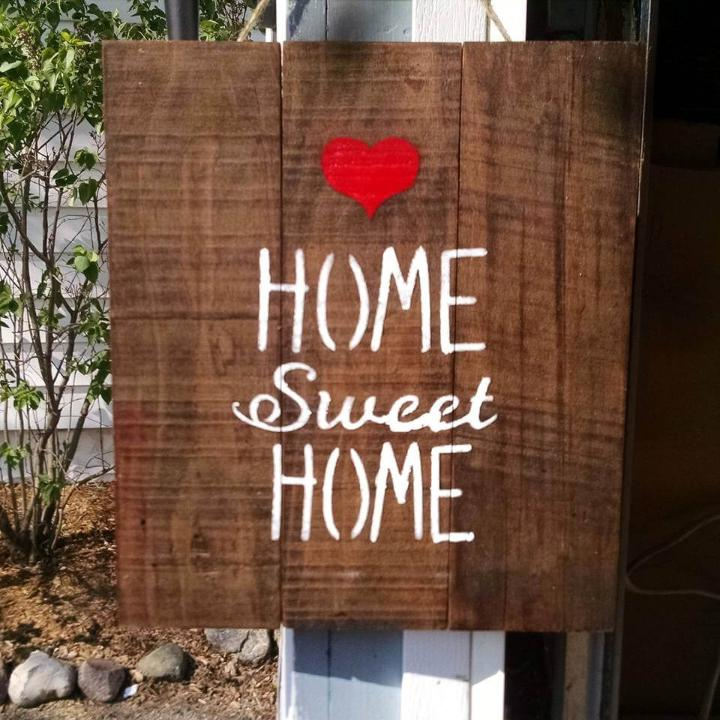 pallet Home Sweet Home wall art