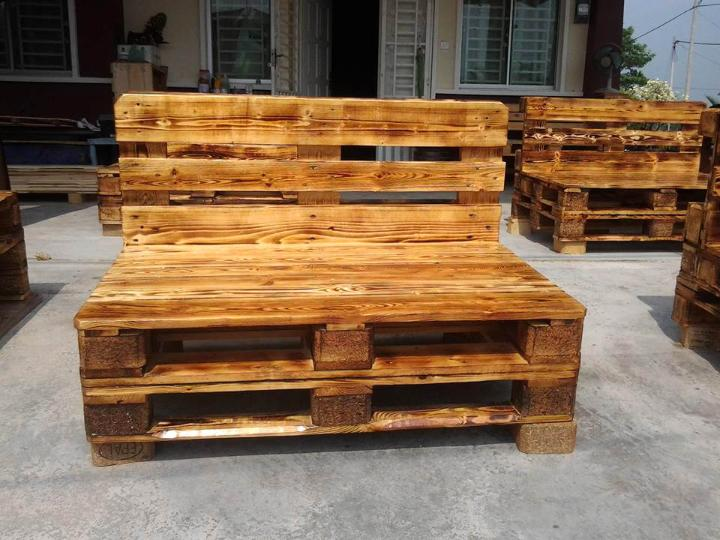 scorched pallet beefy wooden benches
