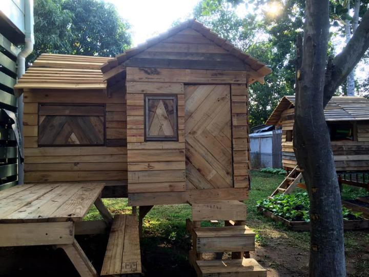 bungalow style pallet cubby house