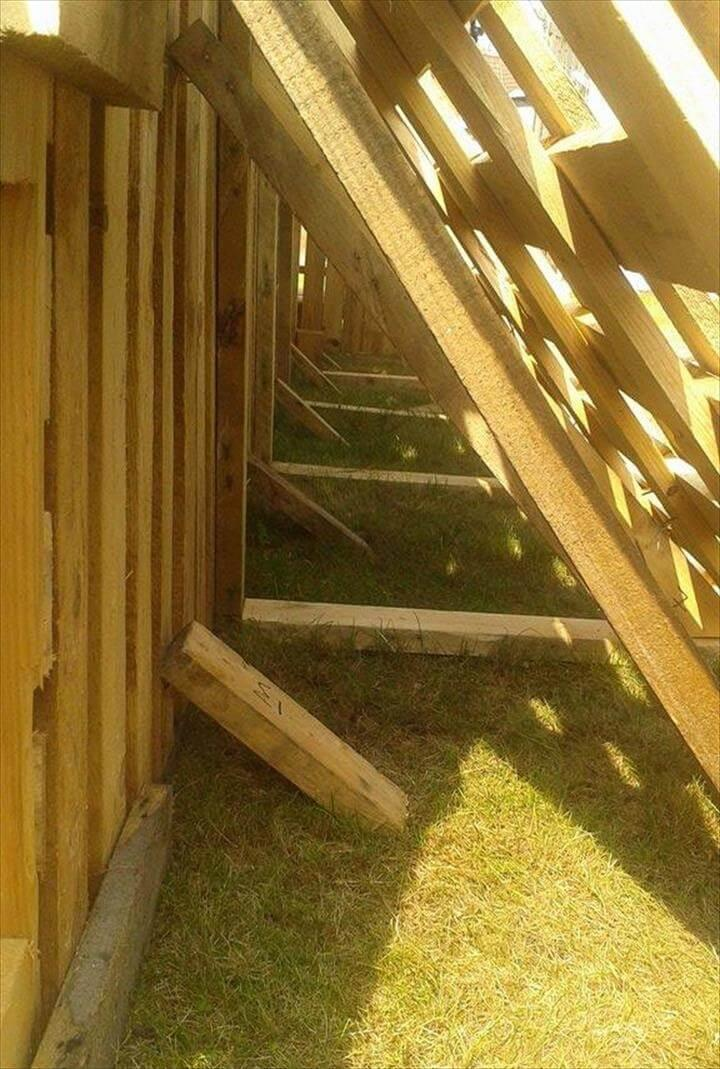 hiding the angled side supports with additional wooden units
