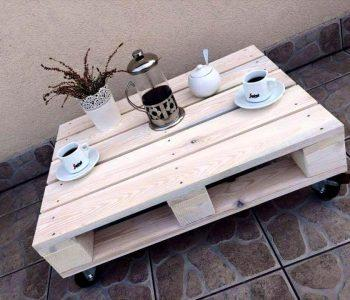 reclaimed one pallet coffee table