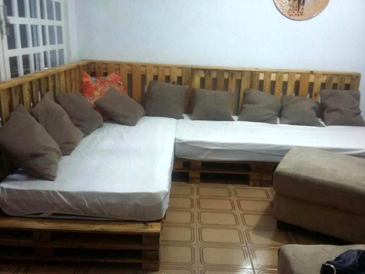 recycled pallet sectional occasional couch set