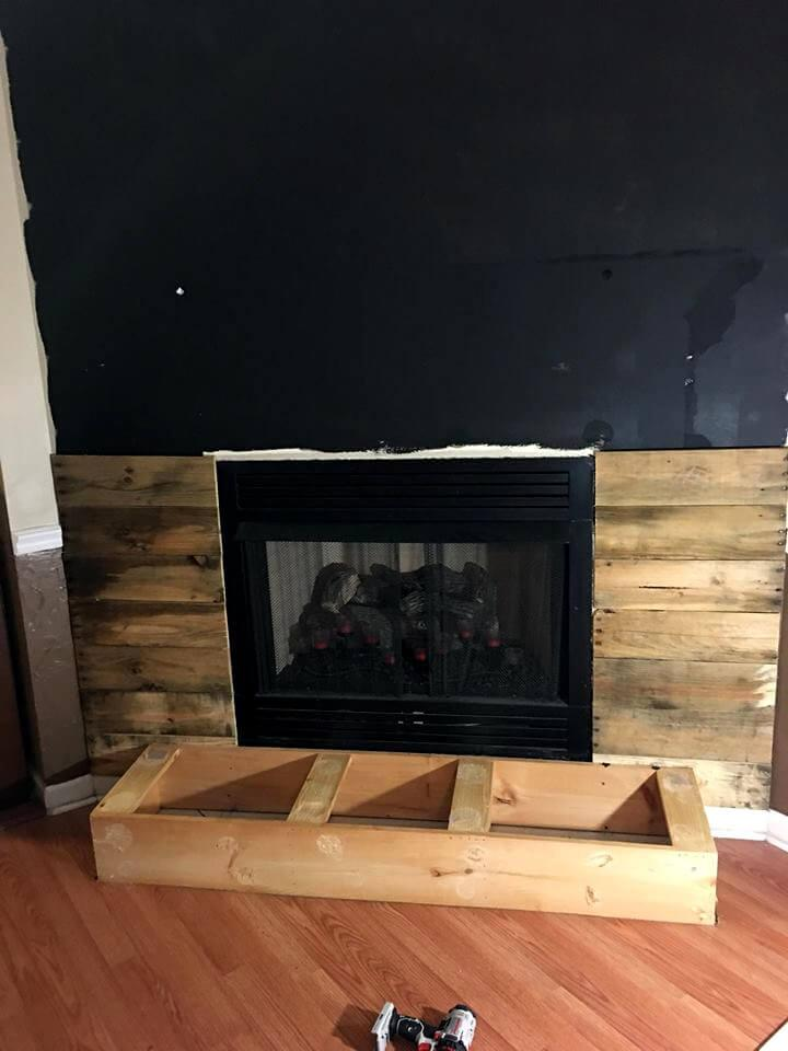 filling of wall using pallet slats
