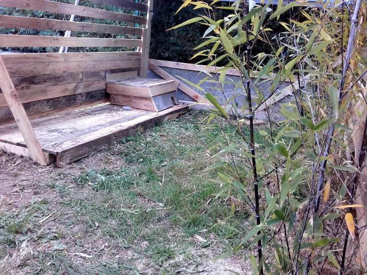 custom wooden pallet rabbit house
