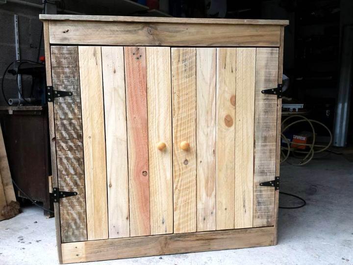 mini wooden pallet cabinet