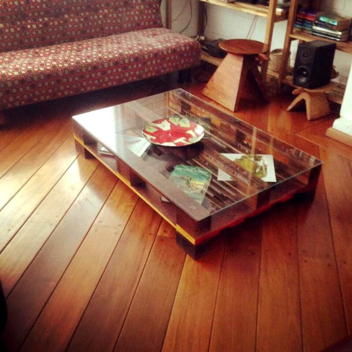 custom one pallet coffee table with glass top