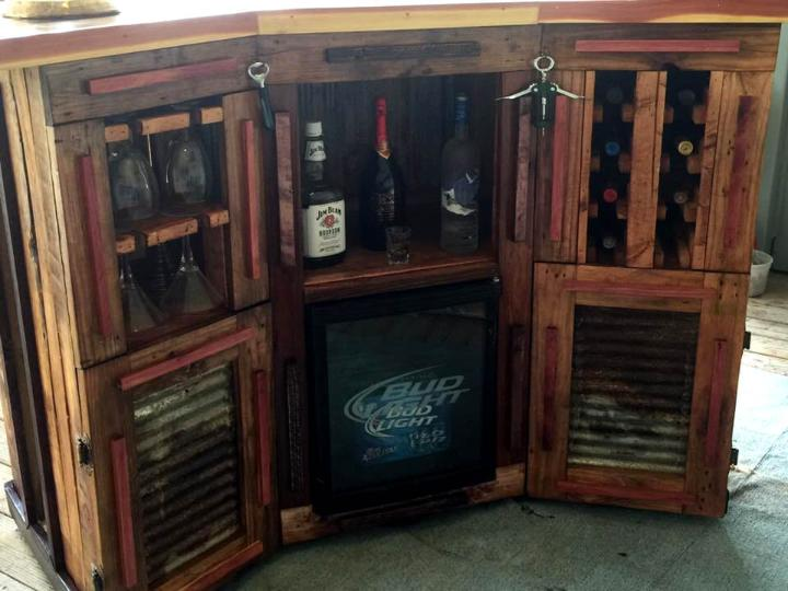 diy wooden pallet bar with storage