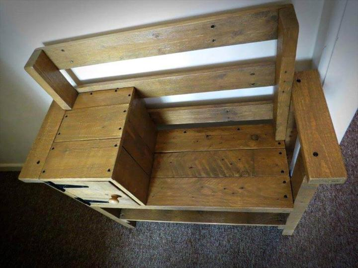 Reclaimed pallet bench with storage