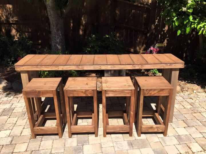upcycled wooden pallet console with stools