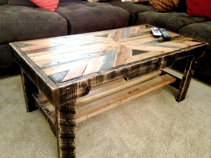 recycled pallet living room coffee table with patterned top
