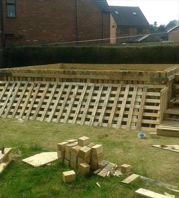 garden swimming pool made of 40 pallets