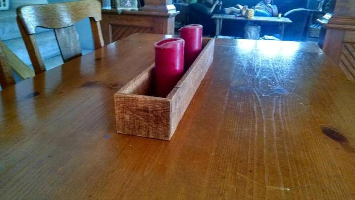 Reclaimed pallet made candle holder