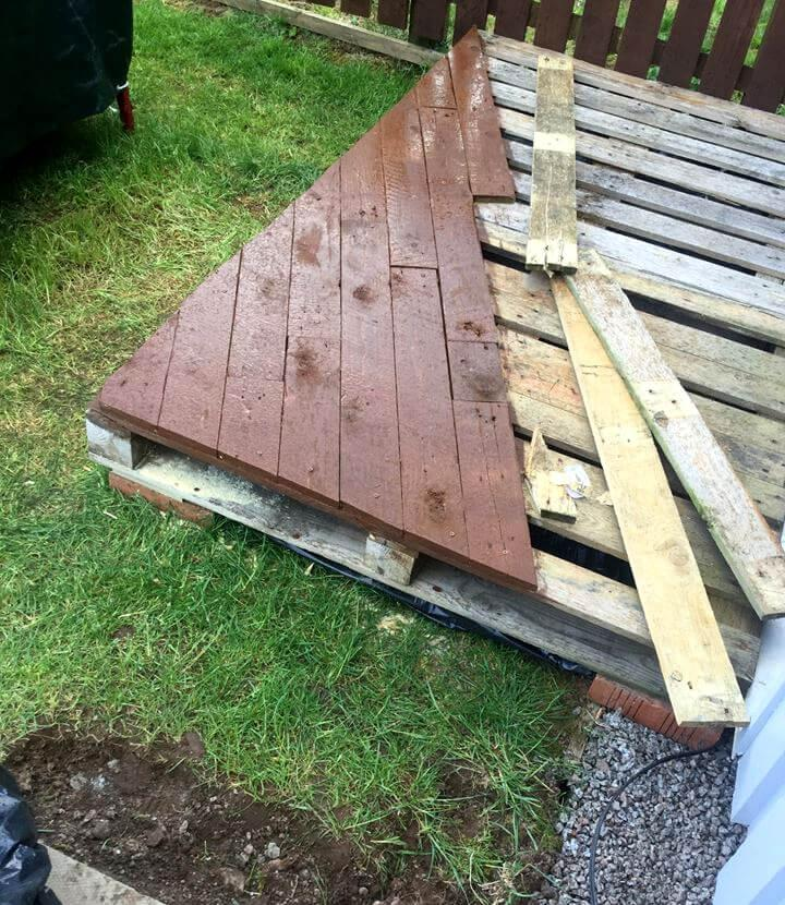 upcycled pallet front porch decking
