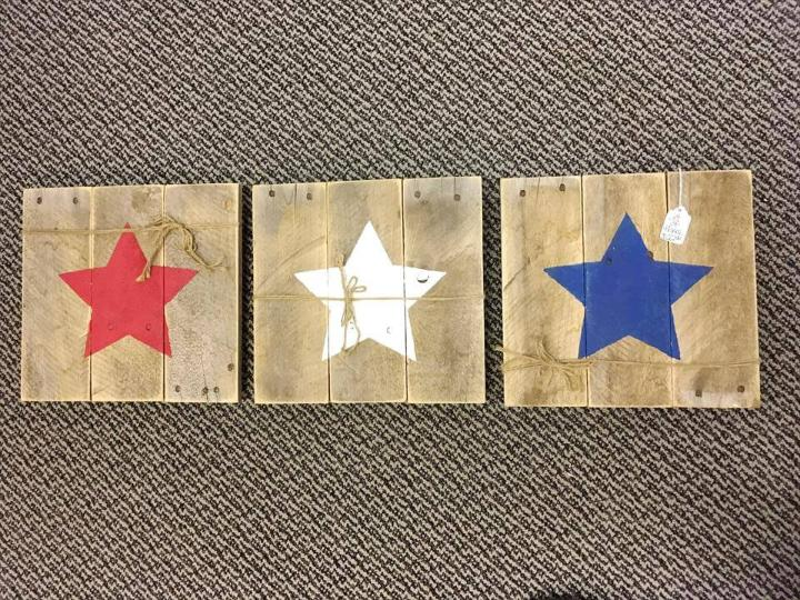 custom pallet star accents