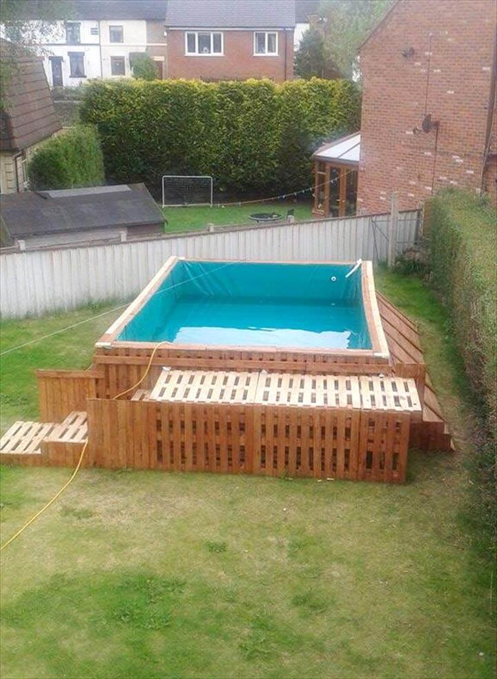 build a swimming pool out of 40 pallets easy pallet ideas. Black Bedroom Furniture Sets. Home Design Ideas