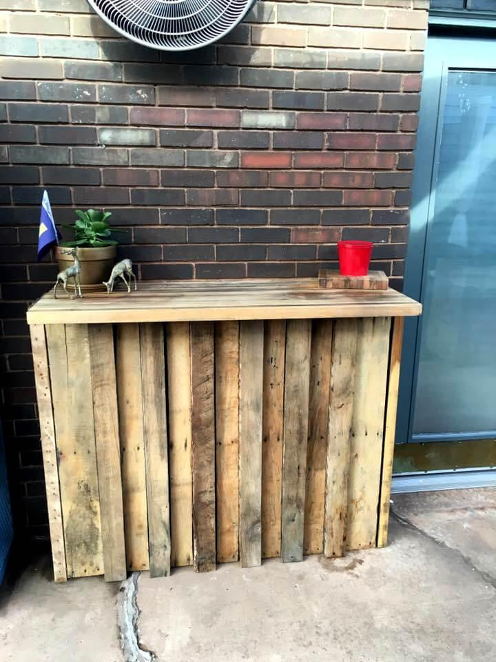recycled wooden pallet bar