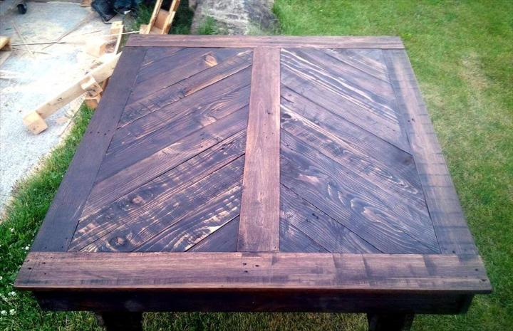 reclaimed wooden pallet dining table