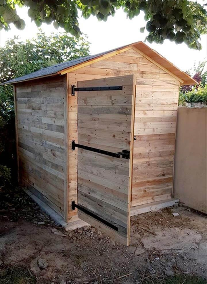 wooden pallet custom cabin or shed