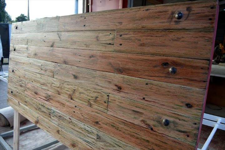custom wooden pallet headboard