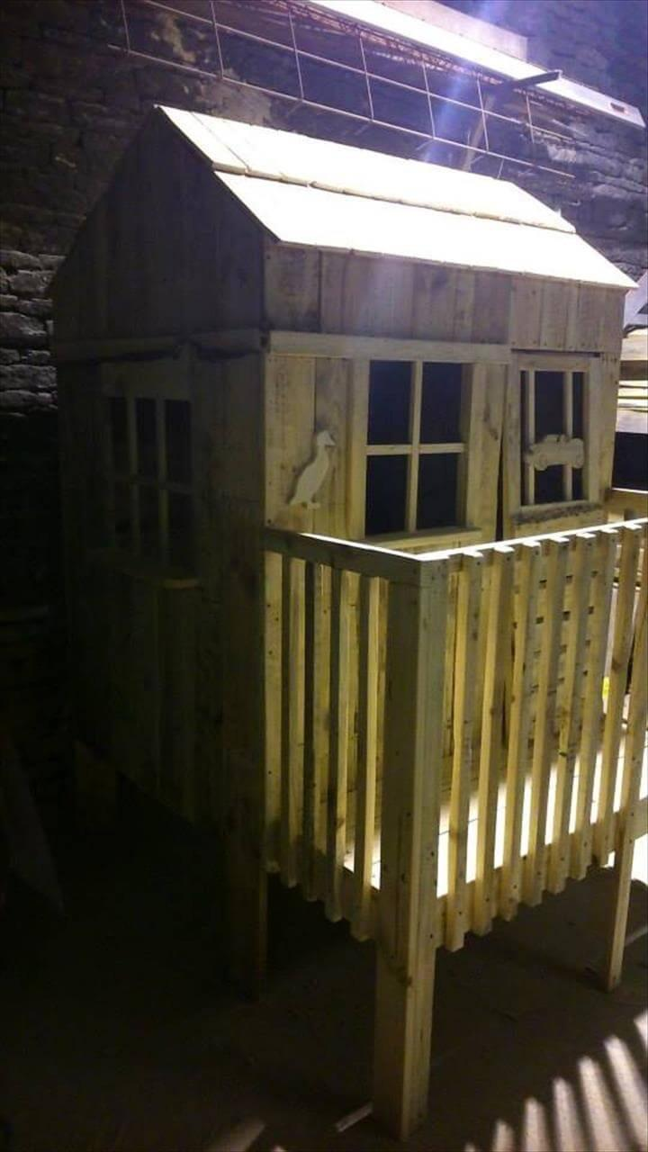 low-cost yet lovely pallet wooden playhouse