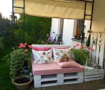 pallet made porch seating set
