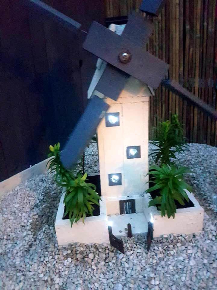 wooden pallet windmill garden pot