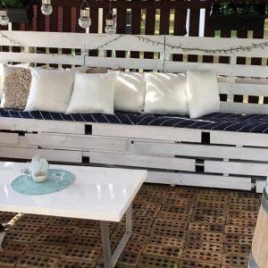 Gorgeous pallet patio seating set