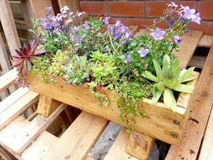 Easy Planter Box from Pallets