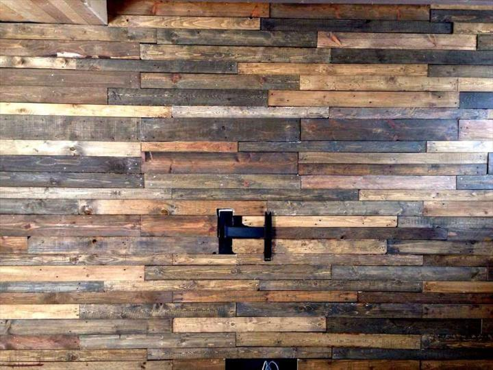 wooden pallet accent wall