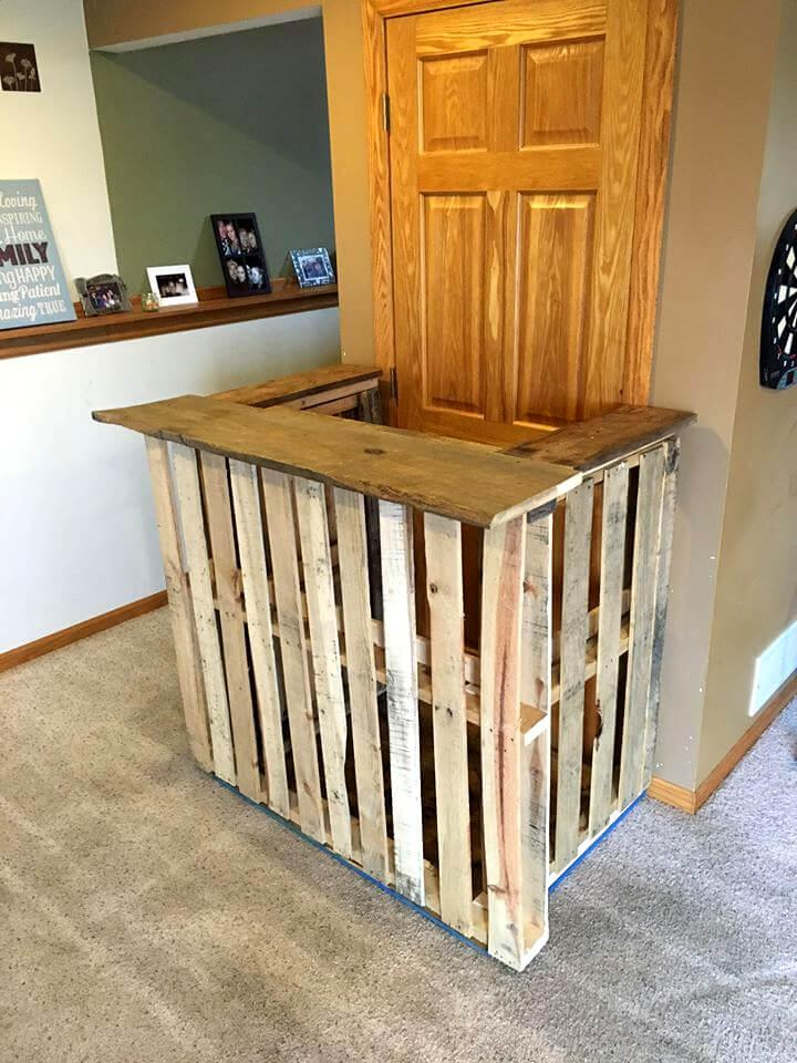 custom wooden pallet mini bar