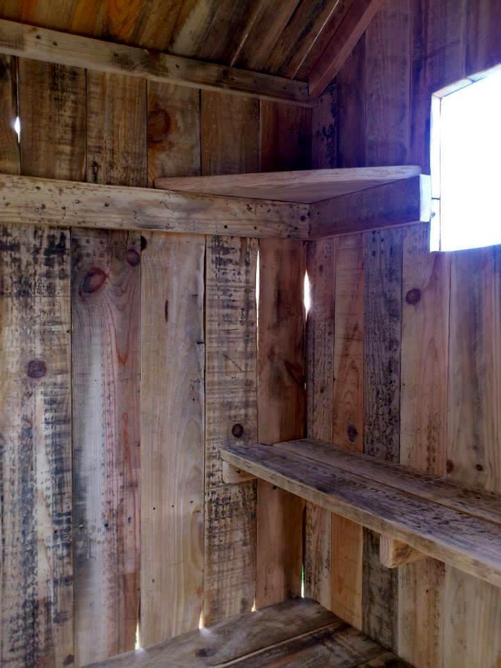 pallet playhouse interior