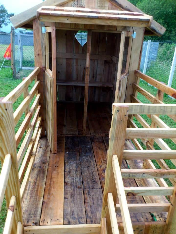 upcycled pallet playhouse with deck