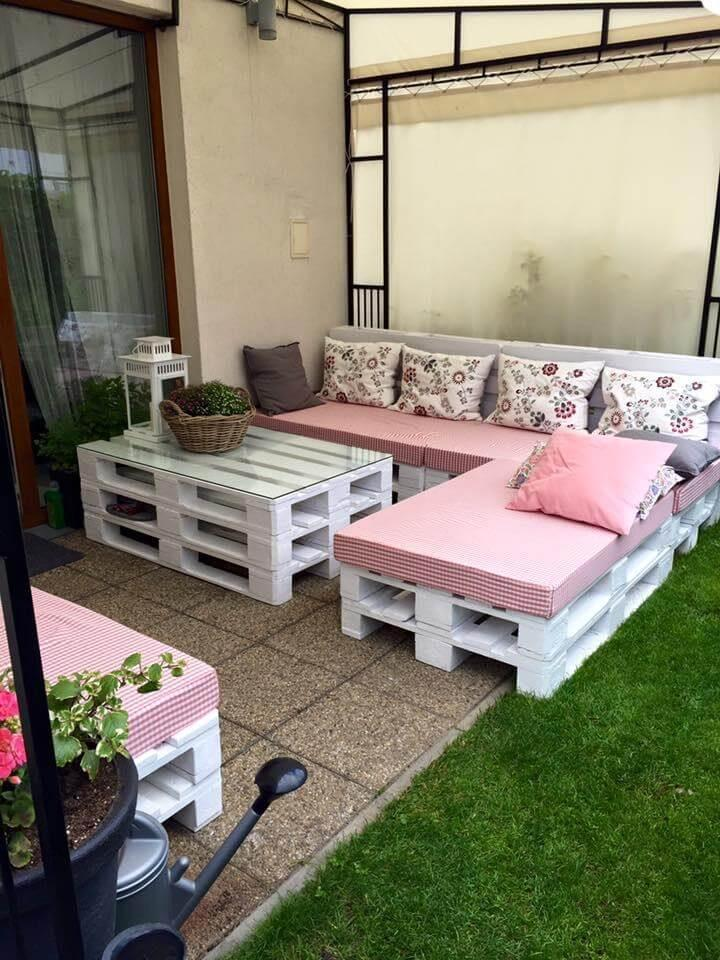 Wooden pallet made porch seating set