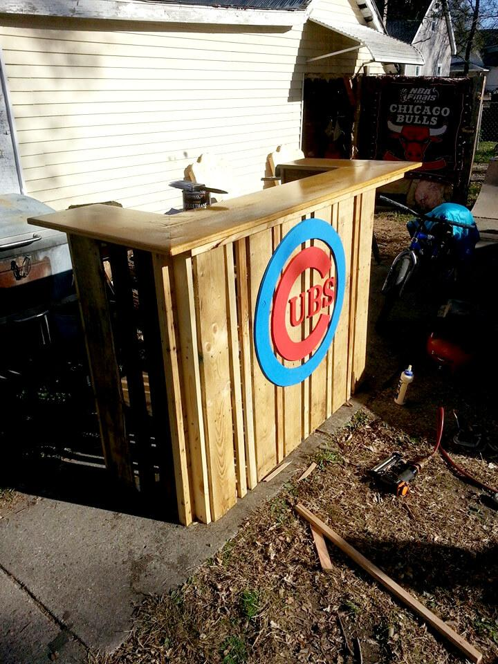 pallet bar with custom colorful logo