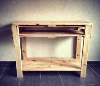 low-cost wooden pallet console